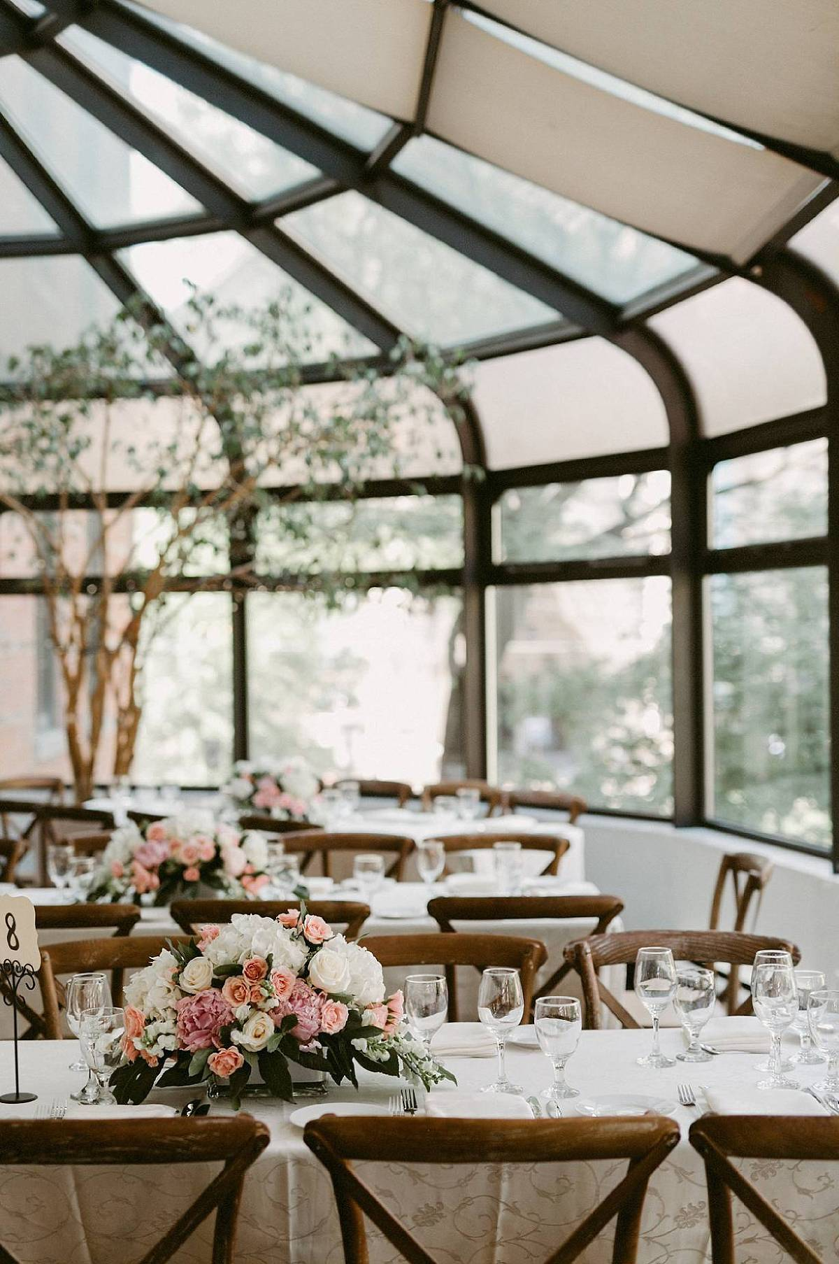 breathtaking wedding reception tablescape at la maquette toronto