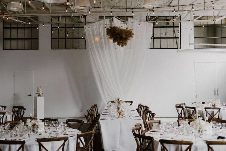 downtown-Toronto's best wedding venue airship 37